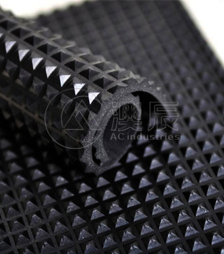1320 Pyramid Rubber Sheet