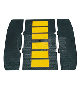 1501:Rubber Lane Divider/Lane Separator System [Recovery Post]