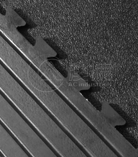 1204 Interlocking Stable Mat(Crumb Rubber)