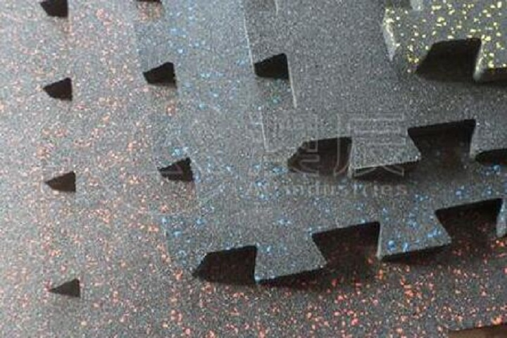An introduction of our interlocking speckled rubber tile