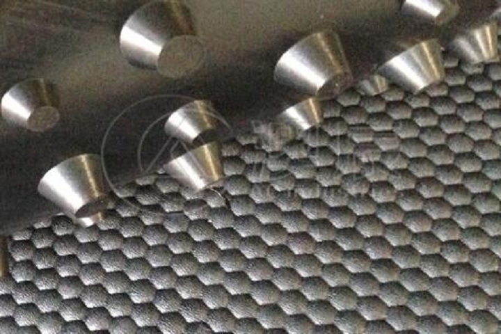 An introduction of round dot rubber tile