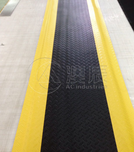 1605 Anti-Static Mat With Warning Edge