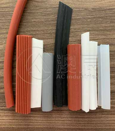 1314 Extruded silicone rubber sheet
