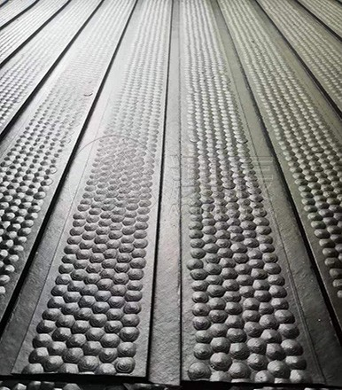 ACM03011 RIBBED HAMMER COW MAT