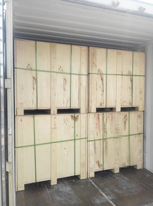 anti-slip rubber stud mats wooden boxes